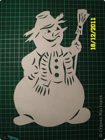 Коллективная работа, Открытка, Украшение Вырезание, Вырезание силуэтное, Вытынанка: Снеговиков... вагон и маленькая тележка (с шаблонами).... Бумага Новый год. Фото 23