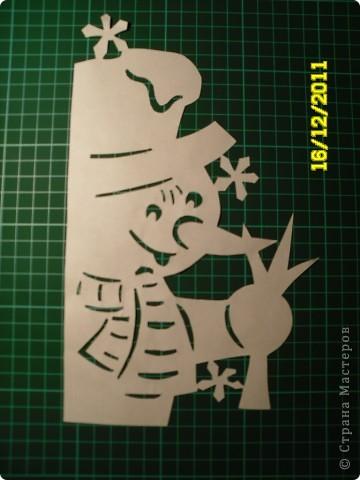 Коллективная работа, Открытка, Украшение Вырезание, Вырезание силуэтное, Вытынанка: Снеговиков... вагон и маленькая тележка (с шаблонами).... Бумага Новый год. Фото 5