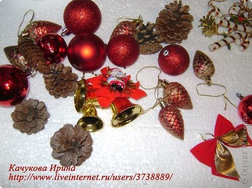 Интерьер, Мастер-класс: Рождественский венок Клей, Материал природный, Пенопласт, Шишки Новый год, Рождество. Фото 2