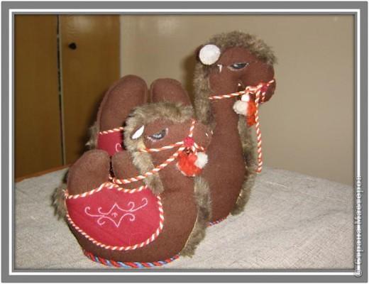 Сувенирная игрушка Верблюжонок сделано своими руками