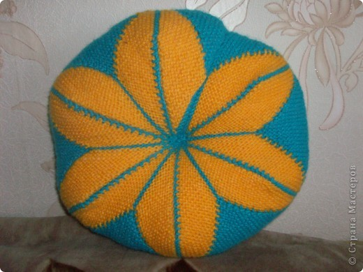 Вязание спицами круглых ковриков лепестками