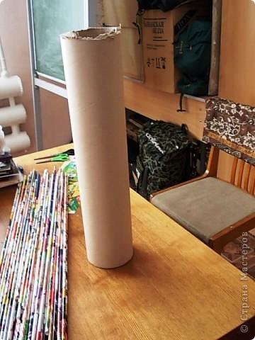 Из всего что мне приходилось делать, из газетных трубочек, подобные вазы самые легкие. Почему подобные, расскажу в конце МК.. Фото 8