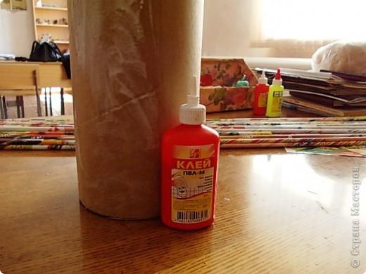 Из всего что мне приходилось делать, из газетных трубочек, подобные вазы самые легкие. Почему подобные, расскажу в конце МК.. Фото 11