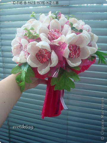 Цветы и подарки из конфет и