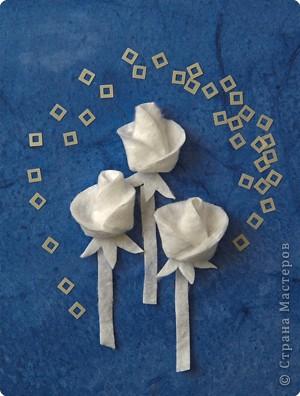 Герб Страны Мастеров сделан в технике киригами из плотной бумаги.