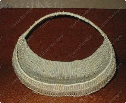 У меня просили показать плетение на проволоке, исполняю просьбу. Теперь корзина ждет завершающей отделки, но это будет потом..... Фото 11