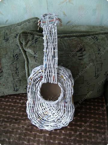 Мастер-класс Плетение: Гитара-кашпо из газет. МК. Бумага газетная. Фото 24