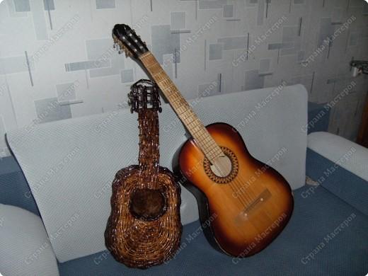 Мастер-класс Плетение: Гитара-кашпо из газет. МК. Бумага газетная. Фото 25