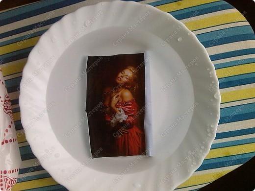 Берем тарелку хорошо обезжириваем(любым средством для стекла) подбираем мотив. Фото 2