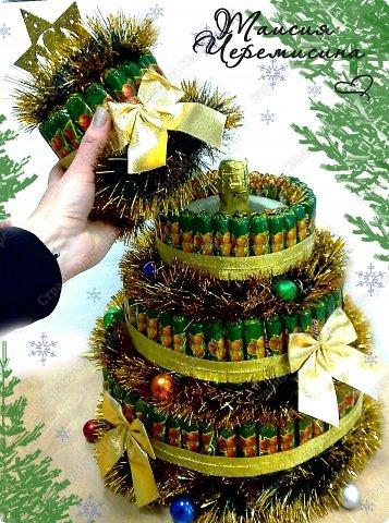 """Свит-дизайн Аппликация, Оригами из кругов: Новогодний торт  из конфет """"Сюрприз"""" Бумага, Клей, Пенопласт Новый год, Рождество. Фото 2"""