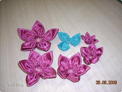 Мастер-класс Шитьё: Цветы из кругов ткани (мастер-класс) Бусинки, Нитки, Ткань. Фото 7