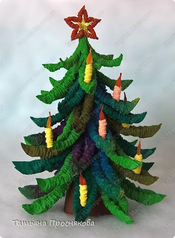 Мастер-класс Гофротрубочки: Новогодние ёлочки из гофротрубочек Бумага гофрированная Новый год