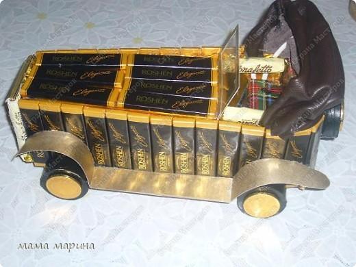 Поделка, изделие: МАШИНА из конфет  23 февраля, День рождения, Новый год. Фото 1