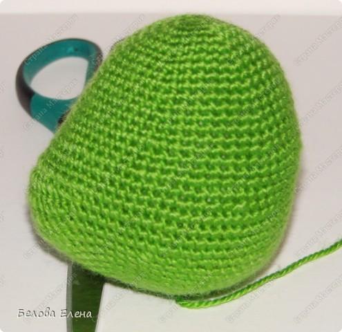 Размером получился поменьше, чем первый, без шляпы 24 см, со шляпой - 29 см.. Фото 6