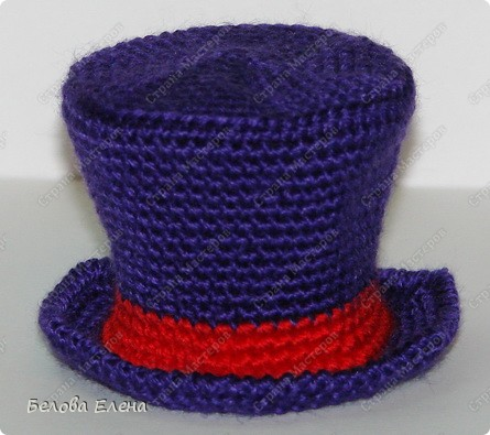 Размером получился поменьше, чем первый, без шляпы 24 см, со шляпой - 29 см.. Фото 31