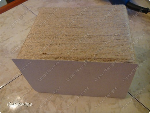 Декор предметов, Мастер-класс: Коробочка для бумаг.  Мастер-класс...Часть 1... Клей, Коробки, Материал бросовый, Пуговицы,  Скотч, Шпагат. Фото 18