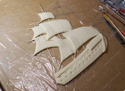 Я делала уже такой корабль около года назад. Размер работы 60х50 см. Сейчас покажу, как я его лепила и расписывала))). Фото 9