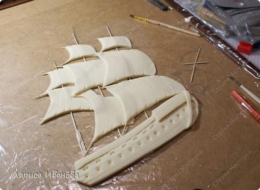 Я делала уже такой корабль около года назад. Размер работы 60х50 см. Сейчас покажу, как я его лепила и расписывала))). Фото 11