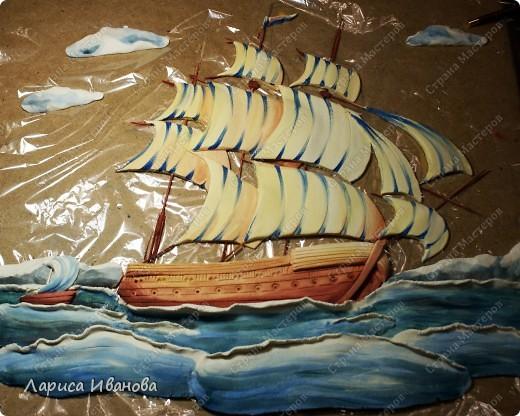 Я делала уже такой корабль около года назад. Размер работы 60х50 см. Сейчас покажу, как я его лепила и расписывала))). Фото 37