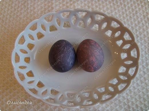 Вы помните, что скоро Пасха? И будем яйца все мы красить... А способов , довольно, много, Вам покажу еще один. Не все о нем, наверно, знают, А получается красиво, Загадочно и необычно... Ну что, на кухню поспешим?. Фото 21