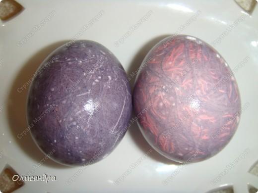 Вы помните, что скоро Пасха? И будем яйца все мы красить... А способов , довольно, много, Вам покажу еще один. Не все о нем, наверно, знают, А получается красиво, Загадочно и необычно... Ну что, на кухню поспешим?. Фото 23