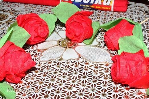 Мастер-класс,  Аппликация, : Шар из роз. МК Бумага газетная, Бумага гофрированная, Клей . Фото 20