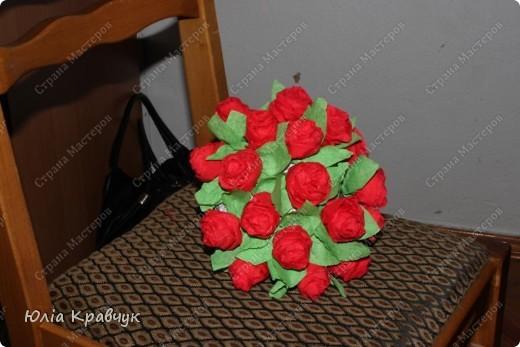 Мастер-класс,  Аппликация, : Шар из роз. МК Бумага газетная, Бумага гофрированная, Клей . Фото 22
