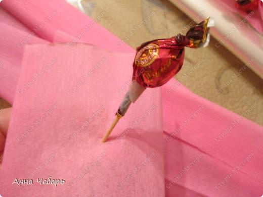 Мастер-класс, Свит-дизайн,  : Мой первый конфетный корабль Бумага гофрированная, Капрон, Ленты, Материал оберточный, Скотч, Тесьма . Фото 15