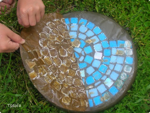 Мастер-класс, Поделка, изделие Мозаика: Садовая плитка своими руками. Фото 9
