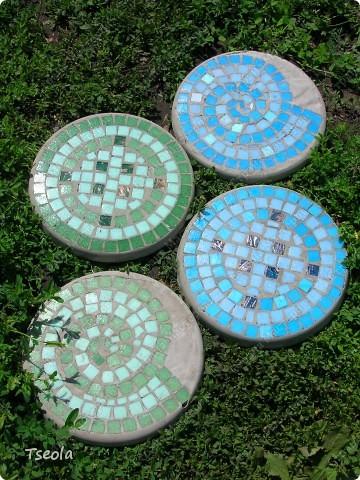 Мастер-класс, Поделка, изделие Мозаика: Садовая плитка своими руками. Фото 1