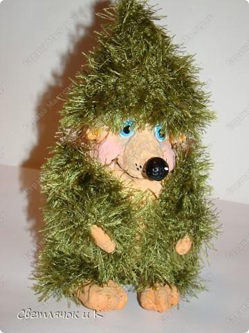 Игрушка Вязание крючком, Папье-маше: Жил-был ёжик Бумага, Клей, Краска, Пластика, Пряжа Новый год. Фото 6