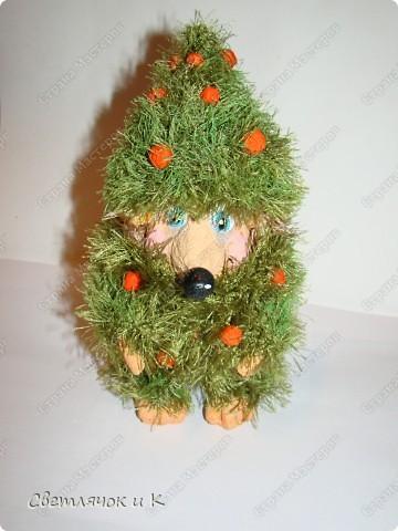 Игрушка Вязание крючком, Папье-маше: Жил-был ёжик Бумага, Клей, Краска, Пластика, Пряжа Новый год. Фото 9