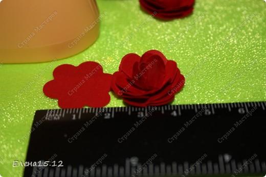 Мастер-класс, Поделка, изделие Бумагопластика, Квиллинг: Ваза с розами и мини МК Бумага, Бумажные полосы, Бусинки, Проволока. Фото 9