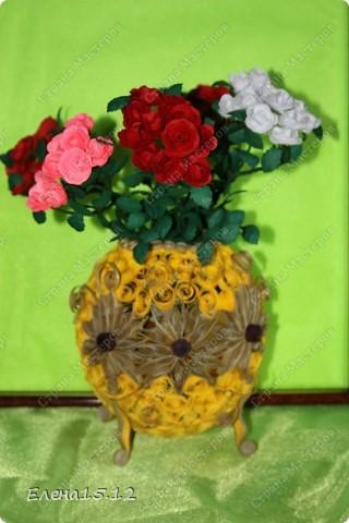 Мастер-класс, Поделка, изделие Бумагопластика, Квиллинг: Ваза с розами и мини МК Бумага, Бумажные полосы, Бусинки, Проволока. Фото 1