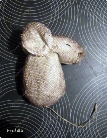 Мастер-класс Шитьё: Спит мышонок сладко-сладко Краска, Кружево, Мешковина. Фото 14