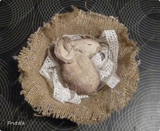 Мастер-класс Шитьё: Спит мышонок сладко-сладко Краска, Кружево, Мешковина. Фото 15