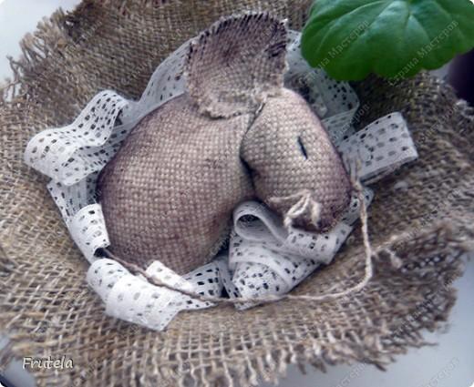 Мастер-класс Шитьё: Спит мышонок сладко-сладко Краска, Кружево, Мешковина. Фото 2