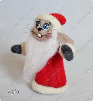 """Мастер-класс Валяние (фильцевание): Мастер класс по валянию зайца из """"Ну, погоди!"""" Шерсть Новый год"""