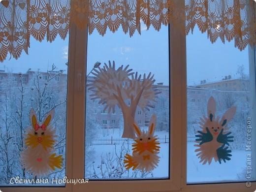 Игрушка, Интерьер, Коллективная работа Аппликация из«ладошек»: Снеговик и снежные деревья из ладошек Бумага Новый год. Фото 5