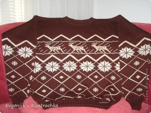 Гардероб Вязание спицами: Схемы свитеров с оленями.  Шерсть.  Фото 4.