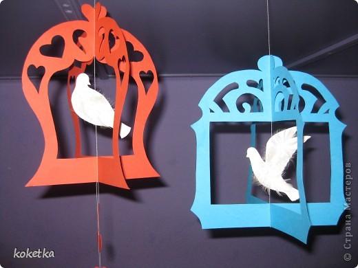 Поделка, изделие Вытынанка: Птички в клетках. Картон, Нитки, Перо Валентинов день. Фото 11