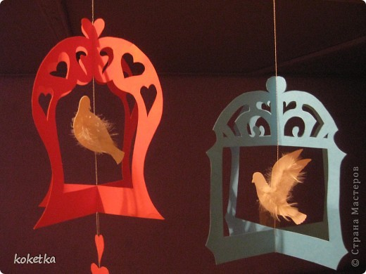 Поделка, изделие Вытынанка: Птички в клетках. Картон, Нитки, Перо Валентинов день. Фото 12