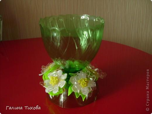 Ветка дуба из пластиковых бутылок, ваза из газетных трубочек.. Фото 9