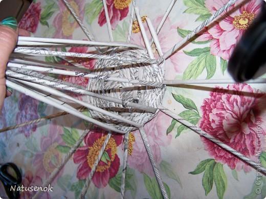 плетем вот такую Пасхальную подставку-плетенку. Фото 14