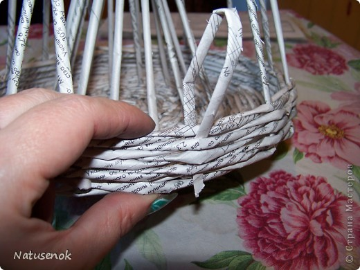плетем вот такую Пасхальную подставку-плетенку. Фото 20