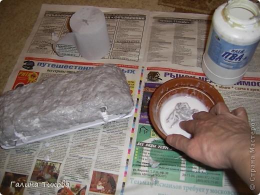 Вот такую шкатулку для бисера можно сделать, имея под рукой пенопластовый контейнер из-под яиц, туалетную бумагу, клей ПВА, фигурные макароны и горох.. Фото 4