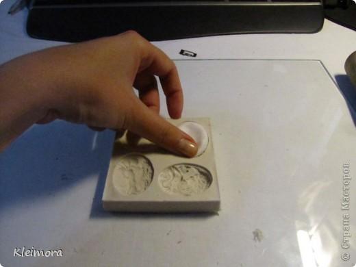 Мастер-класс, Украшение,  : Как сделать брошь камею (с помощью молда для пластики) Пластика . Фото 3