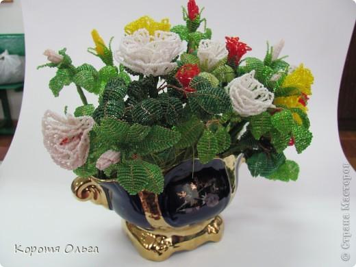 Этот букет роз я два года назад подарила на день рождения Петровночке, но она его хранит в выставочном зале. Говорит, что бы все любовались.. Фото 6