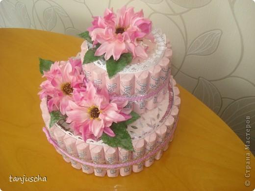 Свит-дизайн: Тортик из конфет  Бумага, Ленты, Пайетки День матери, День рождения. Фото 4