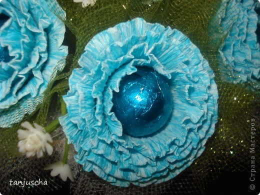Свит-дизайн Бумагопластика: Мой первый букетик Бумага гофрированная 8 марта, День матери, День рождения. Фото 4